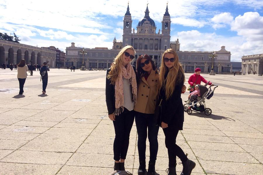 Senior+Tait+Longhi+and+juniors+Tiffany+Orite+and+Sophie+Simon+enjoy+the+beauty+of+the+Royal+Palace+in+Madrid%2C+Spain.+