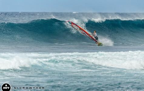 Seabury Hall's Schettewi siblings surf the sea